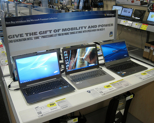 Are there any touchscreen laptops that are not Ultrabooks?