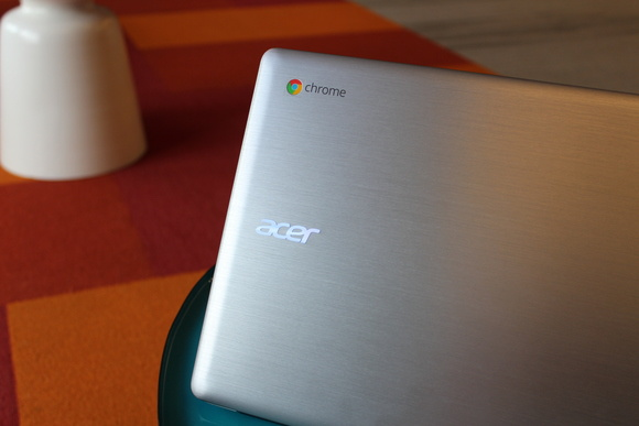 ACER CHROMEBOOK 14 REVIEW: YOU CAN BRAG A LITTLE ABOUT THIS LAPTOP'S LUXURY DETAILS