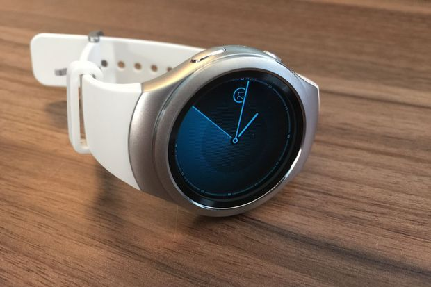 SAMSUNG ISN'T GIVING UP ON ANDROID WEAR, IT'S JUST NOT MAKING ANY NEW ANDROID WEAR WATCHES