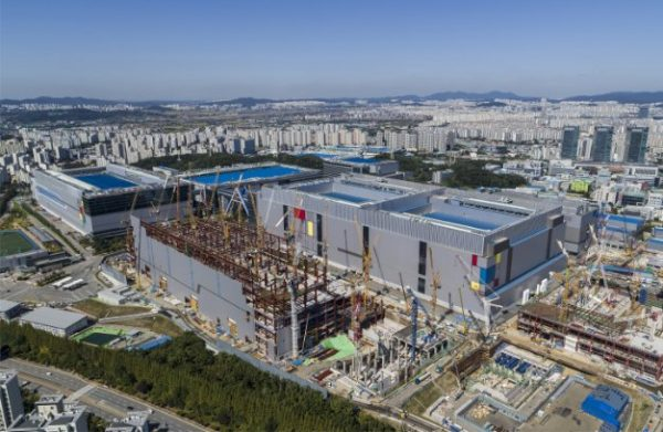 Samsung Ramps Production Of 7nm EUV LPP Process With 50 Percent Lower Power Consumption