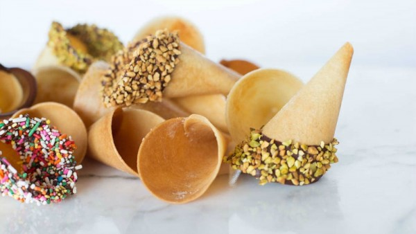 Make Tasty Ice Cream Cones Out of Plain Sandwich Bread
